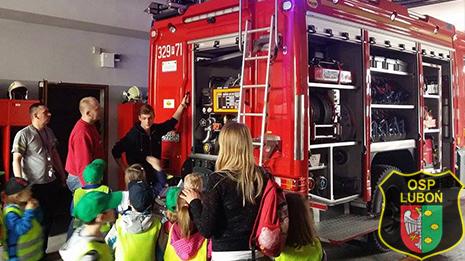 Dzieci odwiedziły remizę OSP Luboń