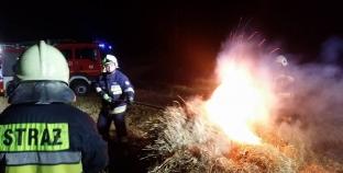 Pożar balotów siana
