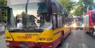 Wypadek z udziałem autobusu miejskiego – ranni
