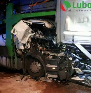 Wypadek z udziałem 5 samochodów na A2