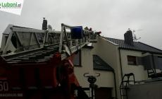 Wiry – uszkodzone opierzenie dachu