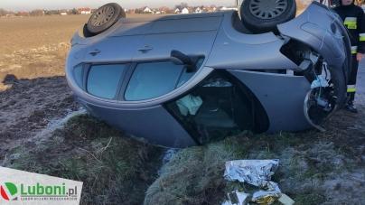 Dachowanie samochodu osobowego w Walerianowie