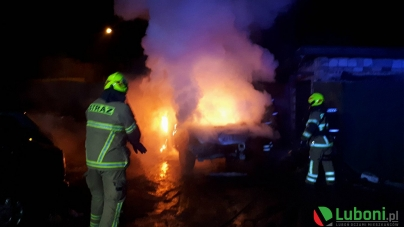 Nocny pożar samochodu w Luboniu