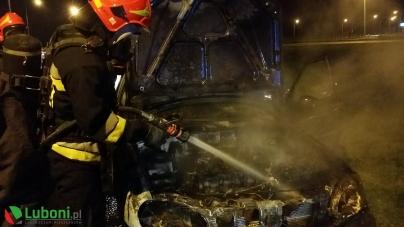 Pożar samochodu na Autostradzie A2
