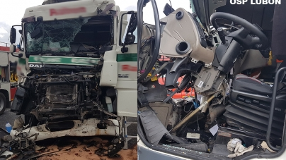 Wypadek dwóch samochodów ciężarowych