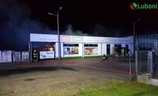 Pożar centrum ogrodniczego – na miejscu 5 zastępów