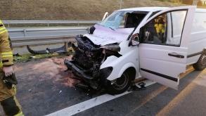 Wypadek na A2 – uwięziony kierowca